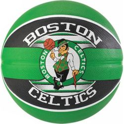 Spalding Boston Celtics (Size 7) Team Outdoor Basketbal - Groen / Zwart
